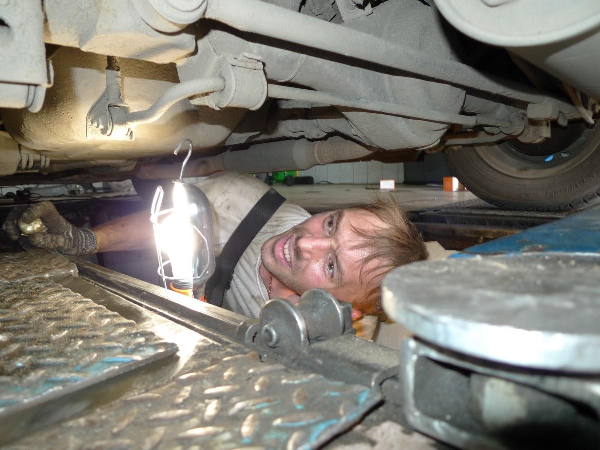 Import Auto Repair: Dealers Versus Independent Shops